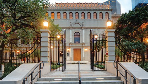 Wedding Venue Review: The Julia Ideson Library