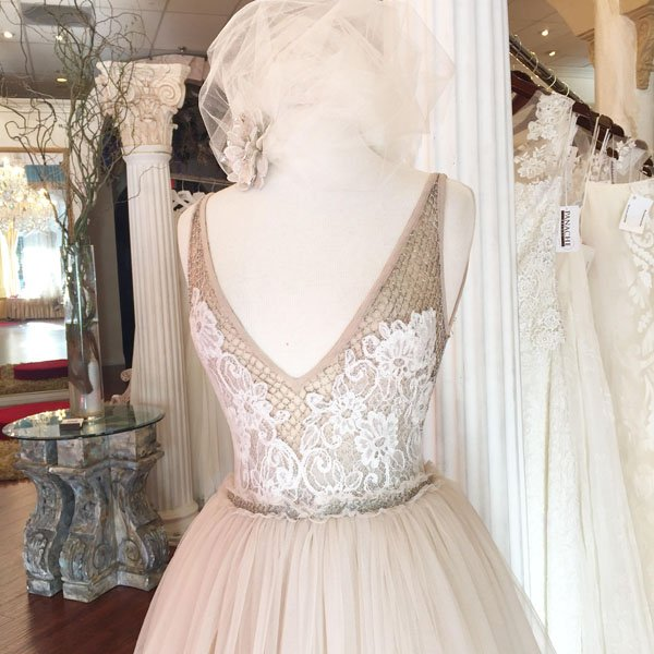 4 Things You Should Know Before Shopping For Your Wedding Dress