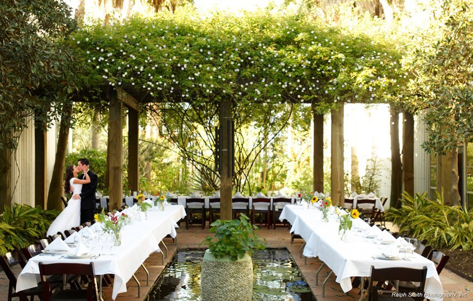 Outside Wedding Venues | 7 Unique Wedding Venues In Houston To Say I Do In