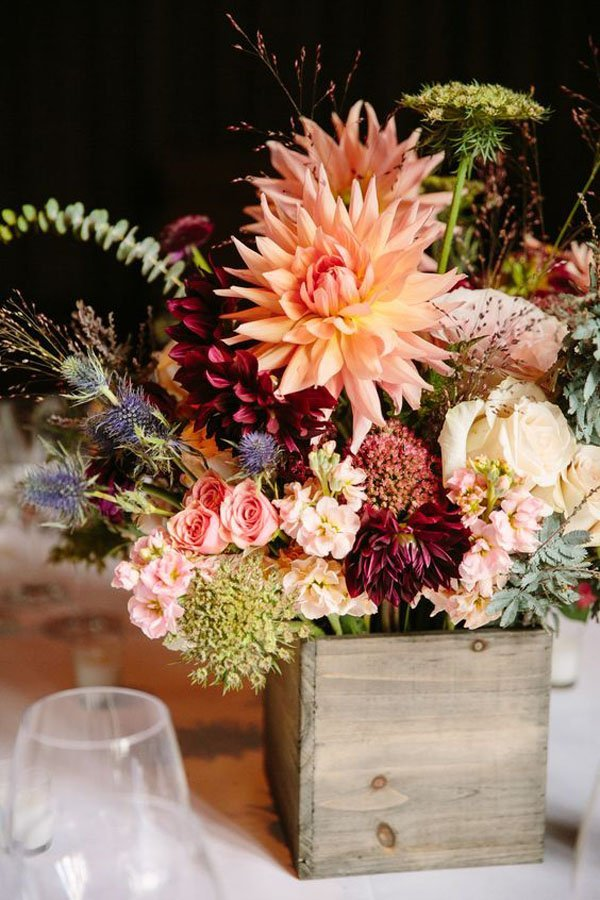 10 ideas for fall wedding flowers that will make your wedding pop fall wedding flowers junglespirit Image collections