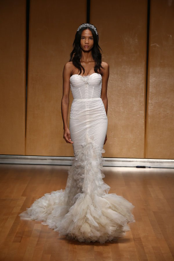 10 Inbal Dror Dresses That Will Look Amazing Walking Down the Aisle