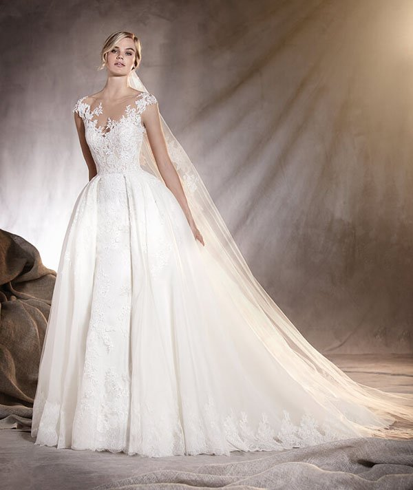 f51ec6a993b Where to Find the Best Pronovias Wedding Dresses