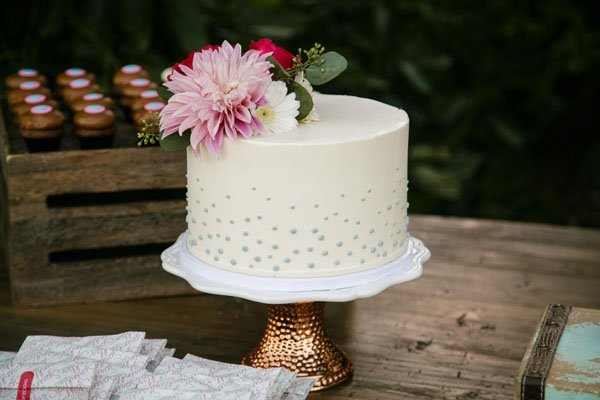 How To Freeze Your Wedding Cake So It Still Tastes Great