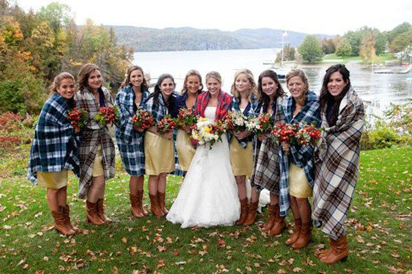 15 cozy and chic fall wedding ideas your guests will love photography by orchard cove photography via style me pretty junglespirit Gallery