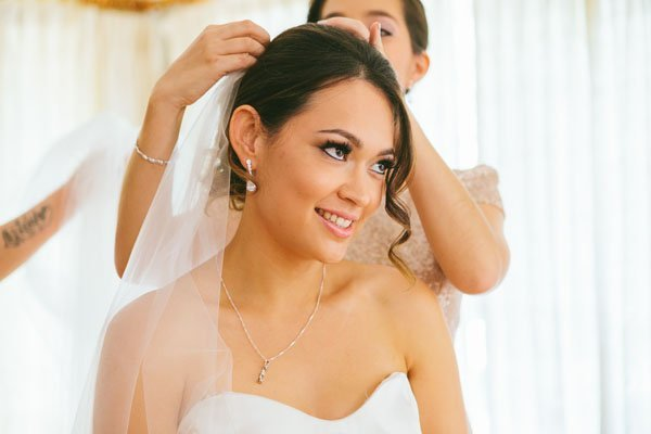 when to take your wedding veil off