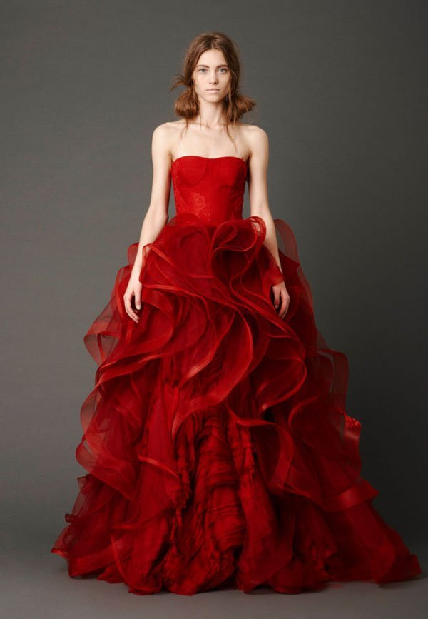 10 Gorgeous Wedding Dress Colors That Totally Stand Out,Below The Knee Dresses For Wedding Guests