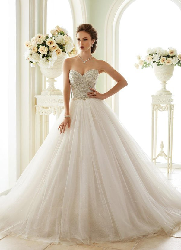 These Are The 37 Most Popular Wedding Dress Styles,Black Dress To Wedding
