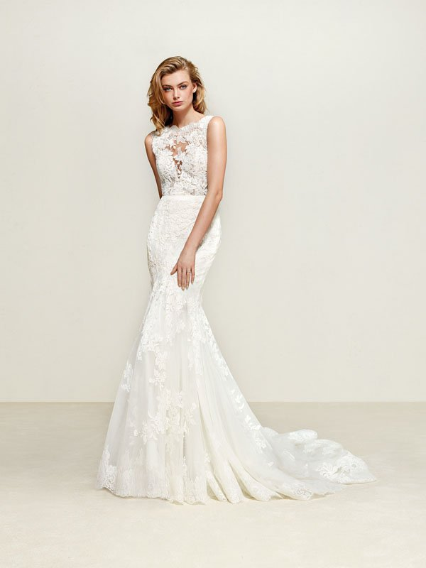 It S All About The High Neck Wedding Dresses Right Now