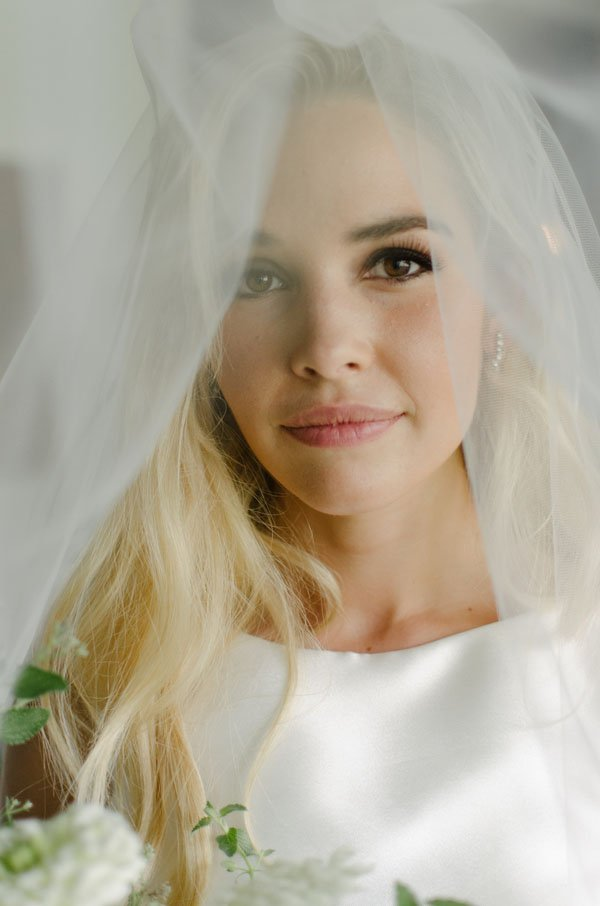 Proof You Can Style Your Own Wedding Hair And It Will Look Gorgeous