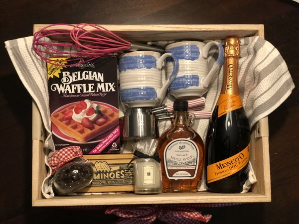 this diy breakfast in bed box is the perfect bridal shower gift