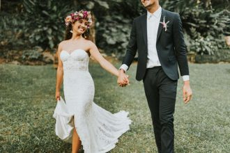 Hawaii - Woman Getting Married