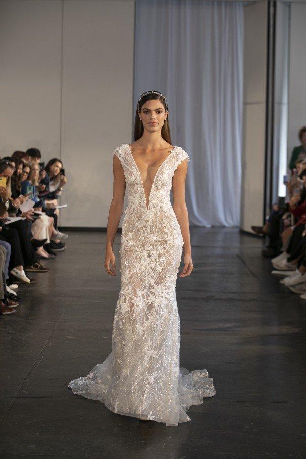 Bridal Fashion Week Berta Woman Getting Married