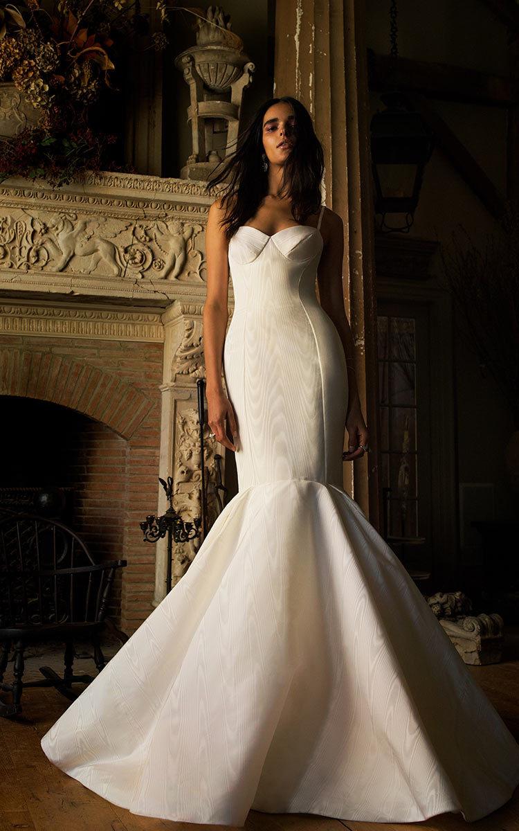 b2a3c0e56b4a The Best Way to Shop Wedding Dress Trunk Shows Online