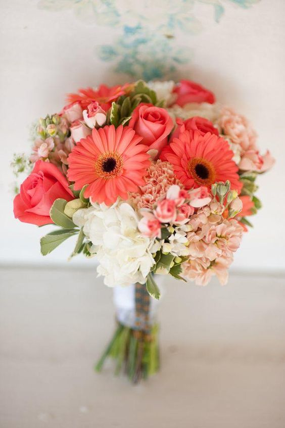 living coral pantone wedding ideas