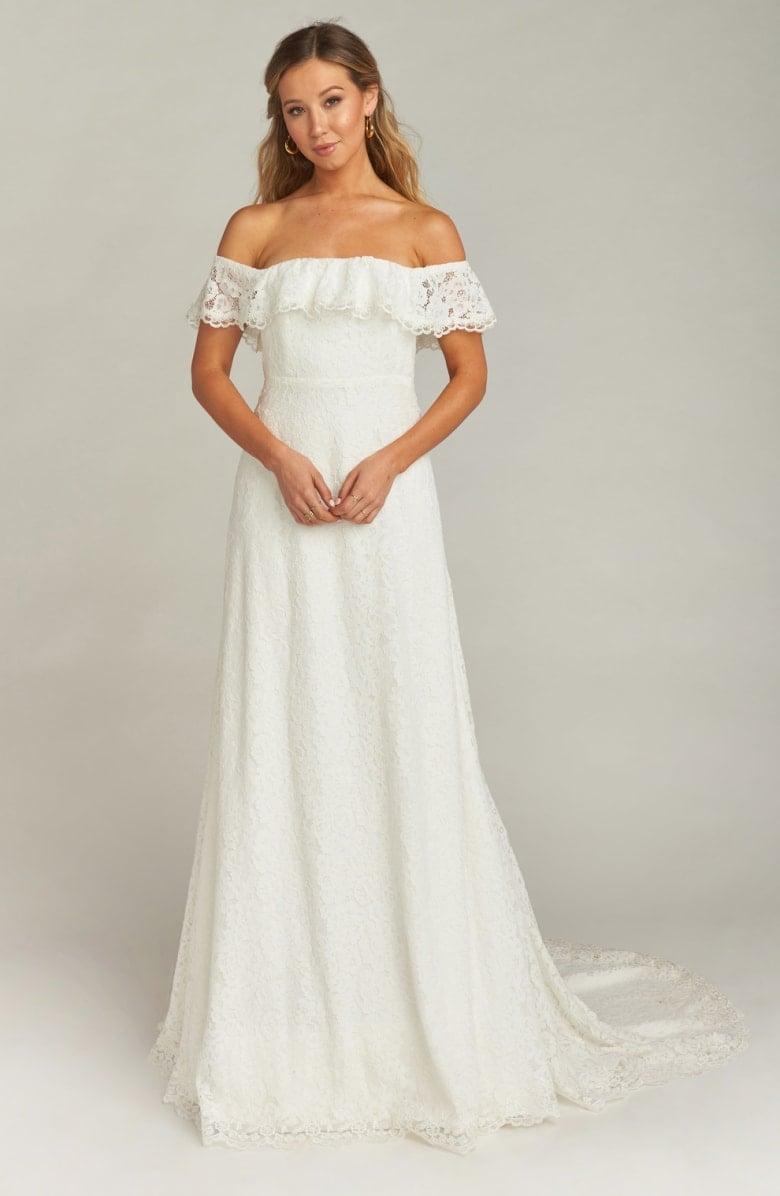 0de821369c4 21 Amazingly Beautiful Wedding Dresses Under  1
