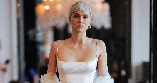 6032a5b9f586 ines-di-santo-spring-summer-2020-collection-bridal-fashion-week-7-1.jpg