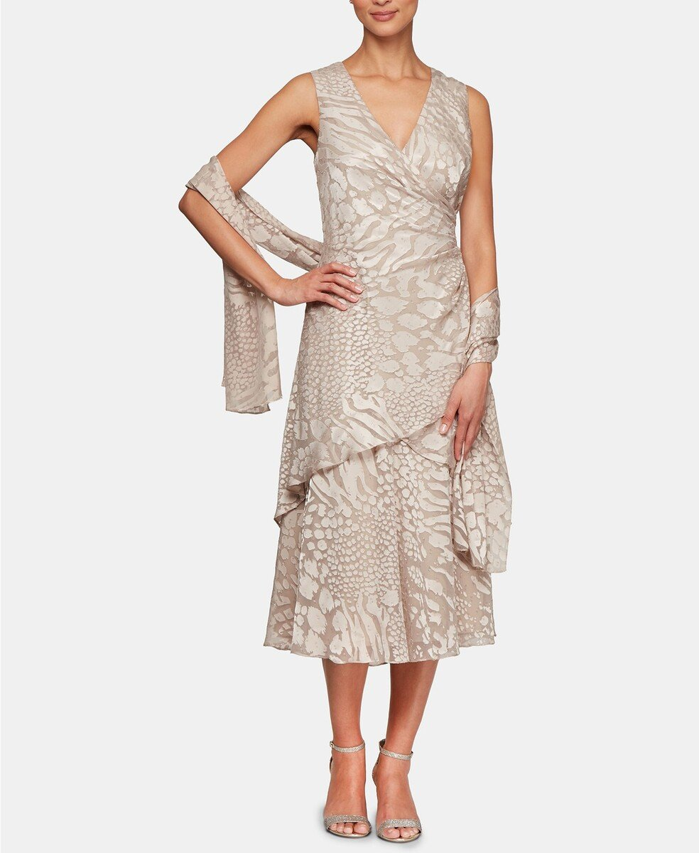 18 Tea Length Mother Of The Bride Dresses Your Mom Will Wear Again,Stella York Wedding Dress Prices