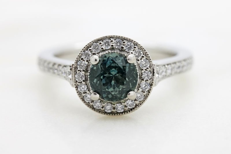design a custom engagement ring online