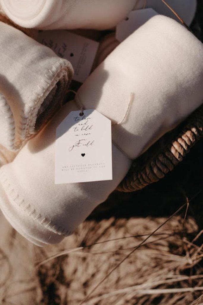 blanket wedding favor ideas